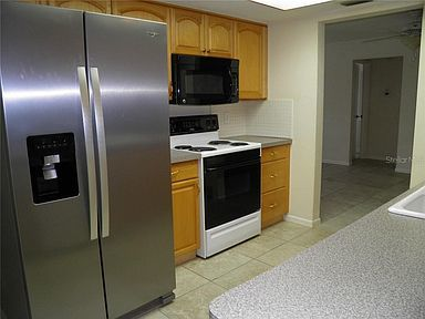 Apartment for Rent in Largo
