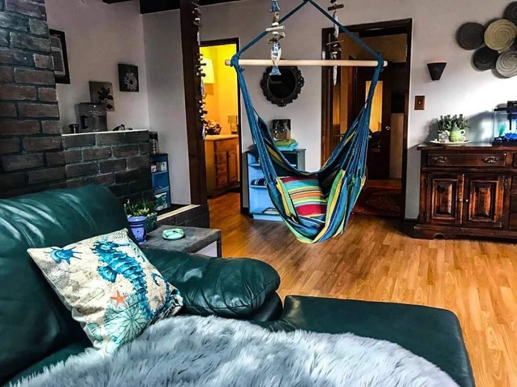 7800 Willoughby Avenue, Los Angeles, CA - 665 USD/ month
